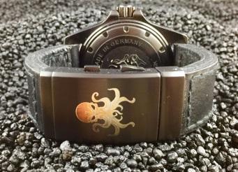 Lasergravur Laserbeschriftung Ledergravur Leder Uhrengravur Gravur Beschriftung Kamavision